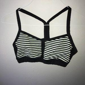 black and white lululemon sports bra Size 6/8!!